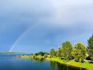 Der Regenbogen und die Posaunen auf den Wassern
